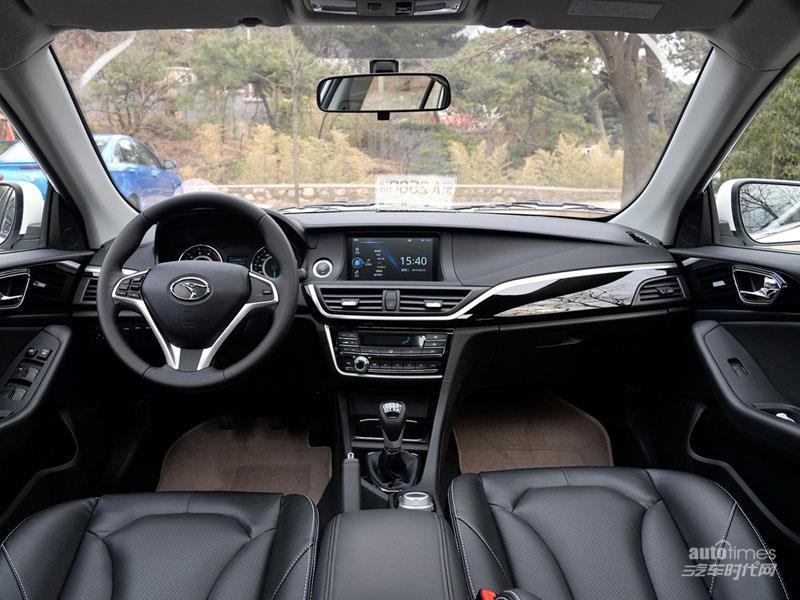 V6菱仕 2015款 CROSS 1.5T 手动智控型