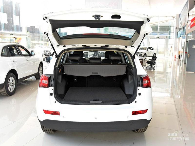 众泰汽车 众泰T600 2016款 1.5T 手动尊贵型 空间图片高清图片