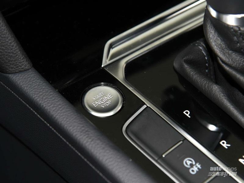 2017款一汽大众迈腾现车充足 新款迈腾领先型最高优惠高清图片