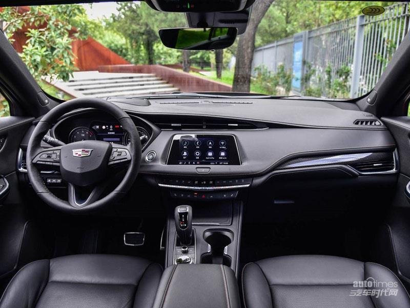 凯迪拉克XT4 2018款 28T 四驱铂金运动版